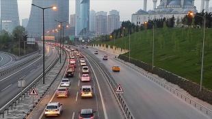 İstanbul'da 'tam kapanma' öncesinde şehir dışına çıkmak isteyenler nedeniyle trafik y