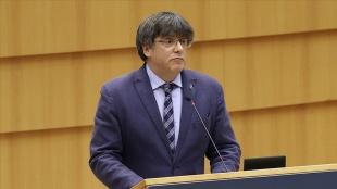 İtalya'da gözaltına alınan Puigdemont'la ilgili kararın haftaya kalabileceği belirtildi