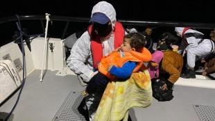 İtalyan gazetesi, Yunanistan'ın Ege Denizi'nde düzensiz göçmenleri geri itmesini işledi