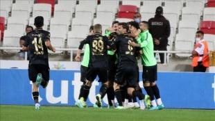 İttifak Holding Konyaspor, Sivasspor engelini tek golle geçti