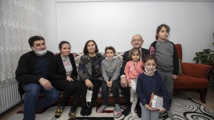 Kılıçdaroğlu ve eşinden ev ziyareti