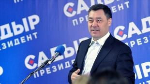 Kırgızistan'da Caparov'un cumhur reisi duyuru edilmesinin peşi sıra hükümet düştü