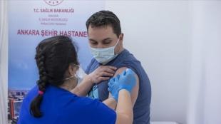 Kovid-19 aşısı yaptıran afiyet mensubu sayısı 800 bini geçti