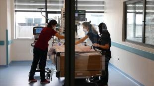 Kovid-19 kaynaklı ölümler bir ayda 4 kat, ağır hasta sayısı 2 kat arttı