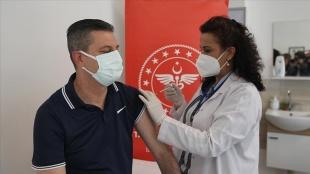 Kovid-19'la mücadele kapsamında uygulanan aşı miktarı 32 milyon 213 bin 119'a ulaştı