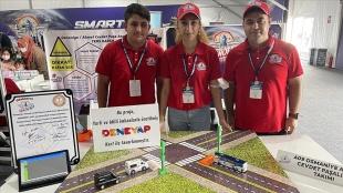 Lise öğrencileri geliştirdikleri 'Ters Kapan' uygulamasıyla trafik kazalarını azaltmayı he
