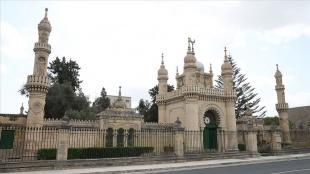 Malta Türk Şehitliği görkemli mimarisiyle dikkati çekiyor