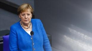 Merkel, gelecek haftaların İran nükleer anlaşması için belirleyici olduğunu söyledi