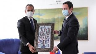 Milli Eğitim Bakanı Özer, Kosova Başbakanı Kurti ve mevkidaşı Nagavci ile görüştü