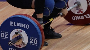 Milli halterci Cansel Özkan, Gençler Avrupa Şampiyonası'nda üçüncü oldu