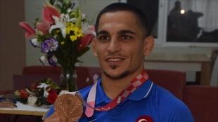 Milli judocu Recep Çiftçi Tokyo'da kazandığı bronz madalyanın mutluluğunu yaşıyor