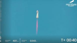 Milyarder iş insanı Jeff Bezos dahil 4 kişiyi taşıyan uzay aracı uzaya fırlatıldı