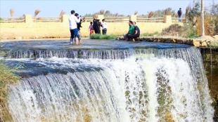 Mısır çölünde oluşan doğa harikası: Reyyan Vadisi Şelalesi