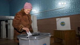 Moldova'da erken parlamento seçimi başladı