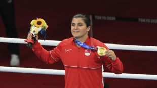 Olimpiyat şampiyonu Busenaz Sürmeneli: Çocukluk hayalimi yaşıyorum