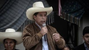 Peru'da devlet başkanlığı seçimini resmi olarak solcu Pedro Castillo'nun kazandığı duyurul
