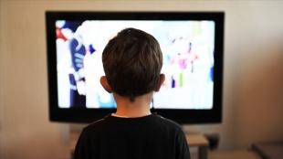 Salgın sürecinde ekrana maruz kalan çocuklarda miyop oranı arttı