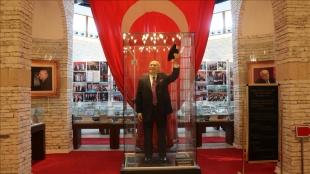 Süleyman Demirel'in hatırası Isparta'da adına kurulan müzede yaşatılıyor