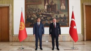 TBMM Başkanı Şentop, Kırgız Cumhuriyeti Cumhurbaşkanı Caparov ile bir araya geldi