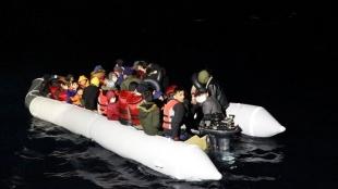 Türk kara sularına geri itilen 250 sığınmacı kurtarıldı
