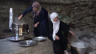 Türkiye'de ilk iftar Hakkari'de yapıldı