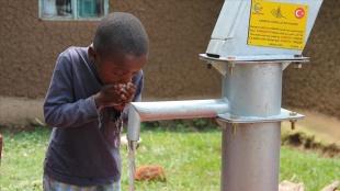 Türkiye'deki hayırseverlerin bağışlarıyla Kenya'da 20 su kuyusu açıldı