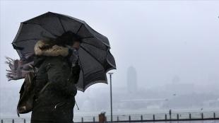 Türkiye'nin batısında kuvvetli rüzgar ve fırtına bekleniyor