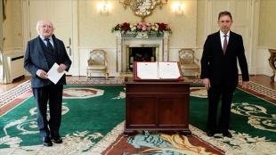 Türkiye'nin Dublin Büyükelçisi Olcay İrlanda Cumhurbaşkanı Higgins'e güven mektubunu sundu