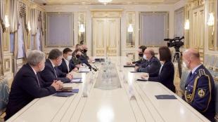 Ukrayna Devlet Başkanı Zelenskiy, NATO Askeri Komite Başkanı Peach ile görüştü