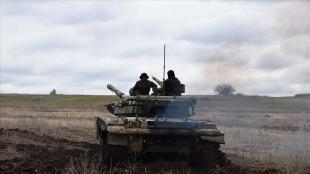 Ukrayna'da 'özel dönemlerde' orduya yedek asker çağırmayı sağlayan yasa onaylandı