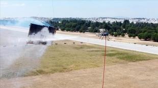Vefa'lı gençlerin 'insansız yangın söndürme aracı' TEKNOFEST'te tüm görevleri ba