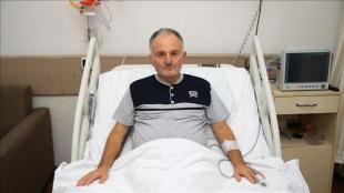 Yoğun bakımda 23 gün yatan Kovid-19 hastası, aşıyı ihmal etmenin pişmanlığını yaşıyor