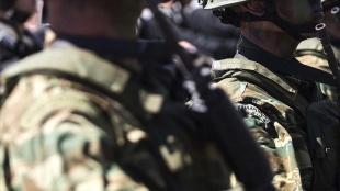 Yunanistan'da yağız kuvvetleri düşüncesince zorunlu askerlik 9 aydan 1 yıla çıkarılıyor