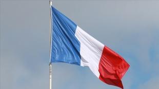 'Yüzyılın Anlaşması'nı ABD ve İngiltere'ye kaptıran Fransa'da tepkiler öfkeye dö